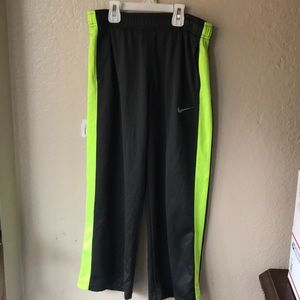 2/25$ Kids Nike Dry Fit Pants Sz M